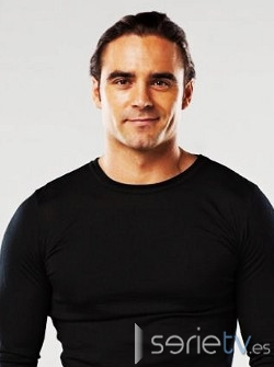 Dustin Clare - actor de series de TV